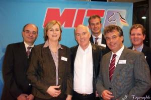 Glückwünsche für den neuen Vorsitzenden Hans-Dieter Klahsen (3. von links) überbrachten (von links) Dr. Andreas Grisar, Sabine Pieper, Dr. Mathias Middelberg, Clemens Lammerskitten und Ingo Daueriner